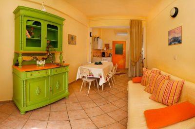6 guest apartment